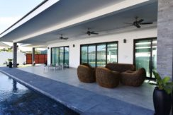03B Large covered furnished patio