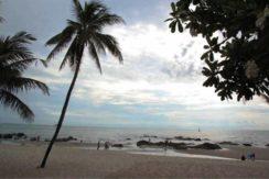 07 Nearby beach