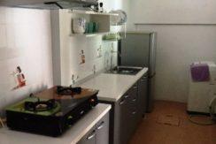 20 Kitchen with washing machine