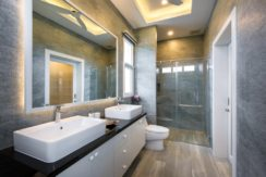 36 Ensuite master bathroom 1