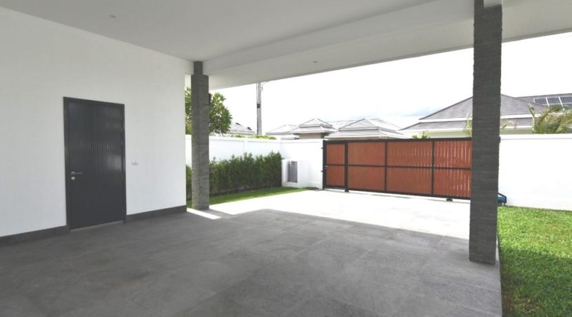 70 Covered double carpark with utility room