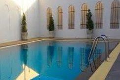 91 Glory House communal pool