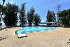 92 Large communal swimming pool