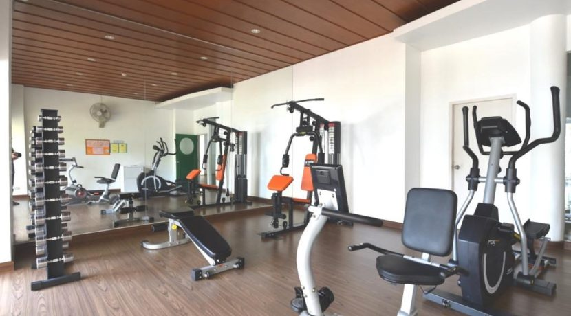 94 Well equipped fitness room