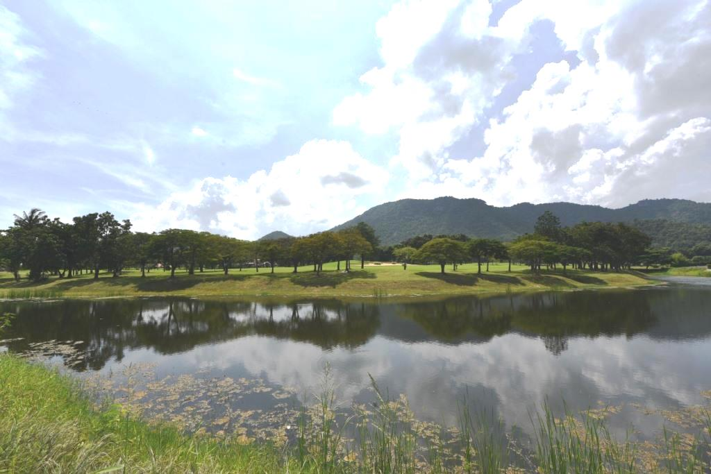 Lake view land at Palm Hills Golf Resort in Hua Hin