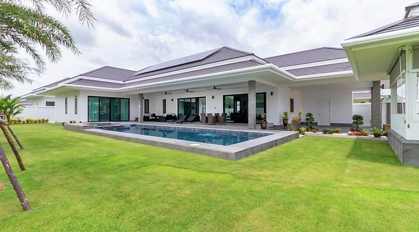 01A Brand new luxury pool villa