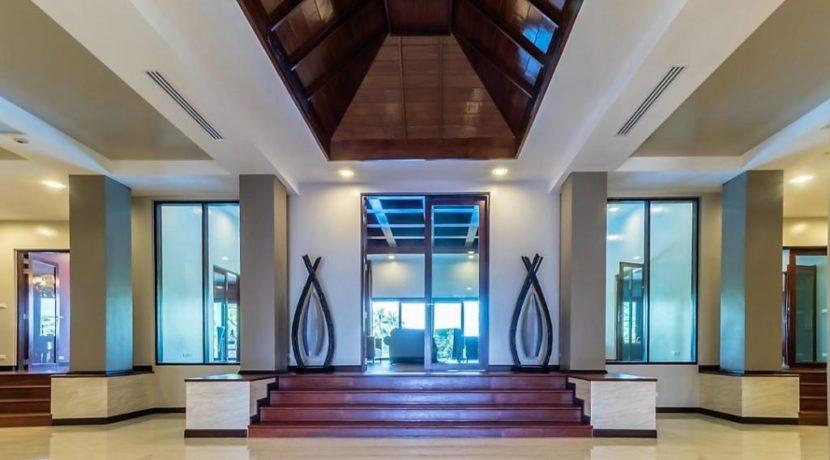 03A Entrance hall