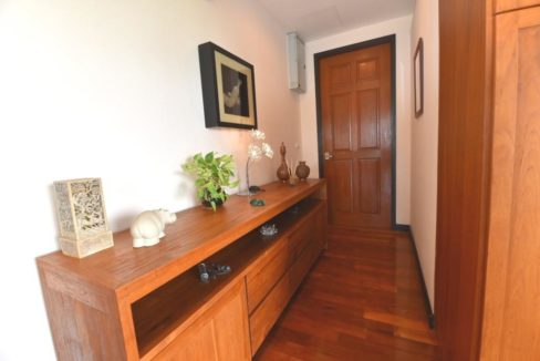 10 Condo entrance nicely furnished