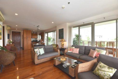 11B Spacious living-dining room