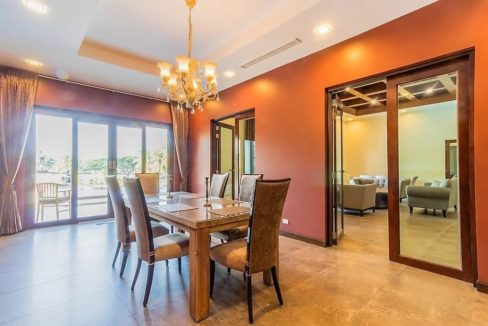 25 Seperate Dining room