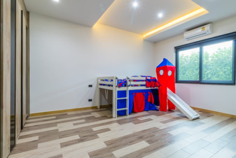 60 Bedroom #4 (Childrens bedroom)
