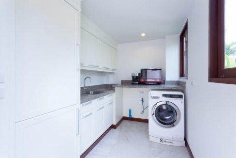 60 Storage&Laundry room