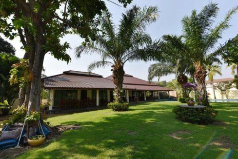 01 Palm Hills golf pool villa