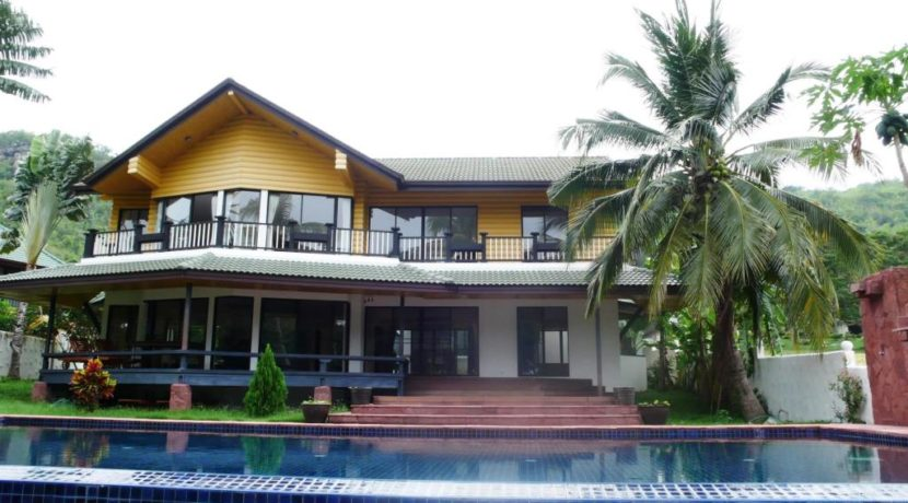 01 Palm golf Hills pool villa (Facade view)