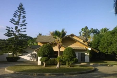 02 Palm Hills pool golf villa Entrance view