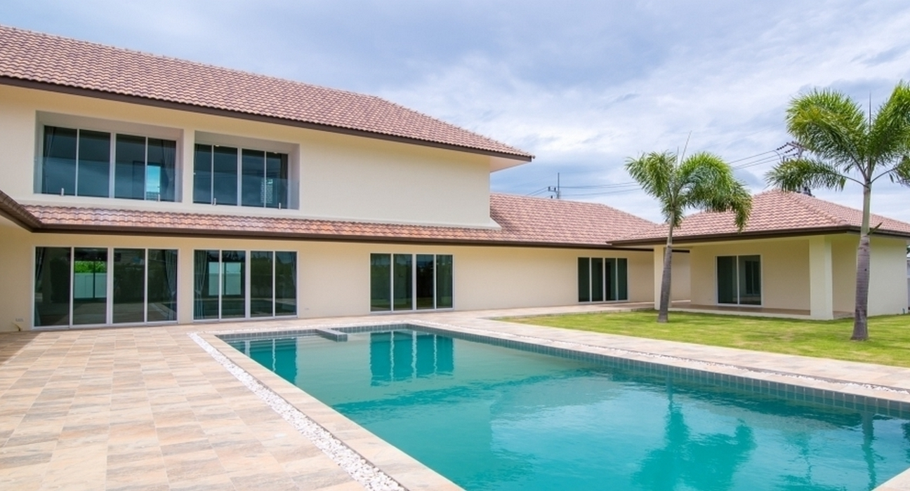 Brand new Luxury Pool Villa in Hua Hin at Country Side