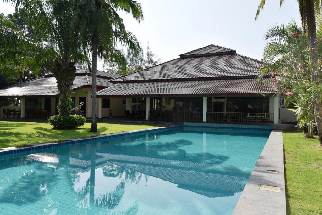 Great Golf Course Villa in Hua Hin at Palm Hills Golf Resort