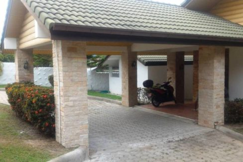 05 Entrance