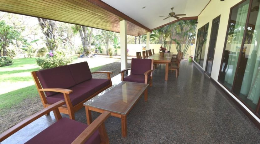 05B Fully covered furnished patio