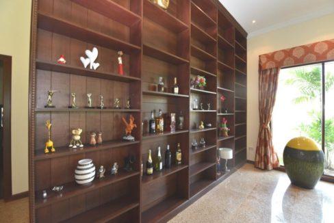 13 Great decorative bookshelf