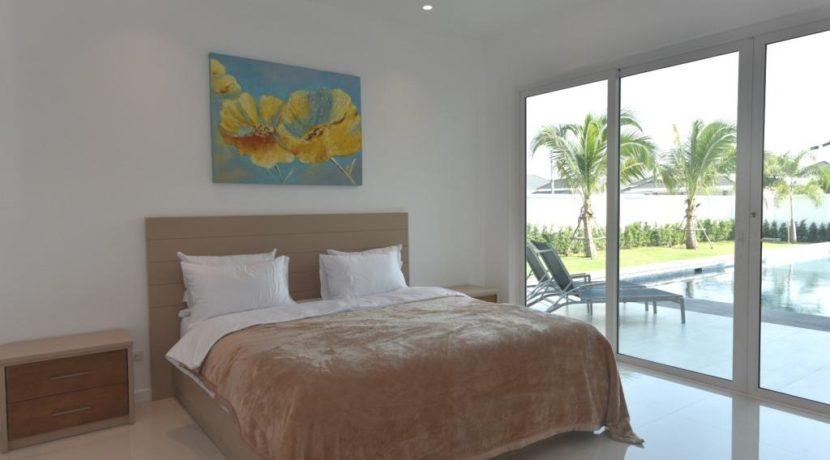 31 Bedroom access to garden pool area