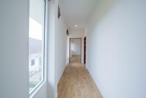 52 Walkway to bedrooms
