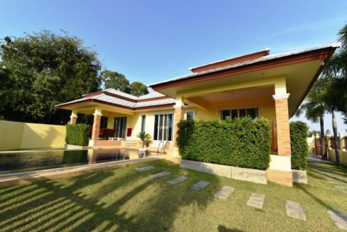 00 Strong built villa in Cha am near beach