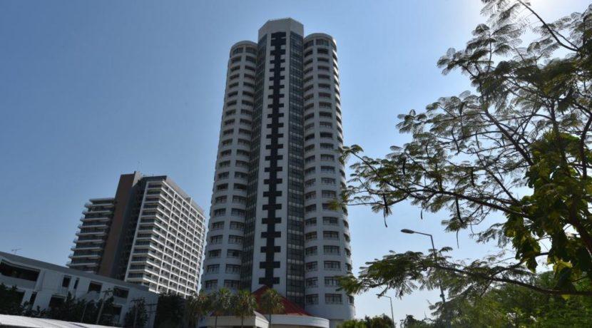 01 VIP Condochain Condominium
