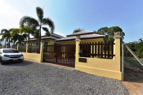 01C Villa fully fenced and EL gated