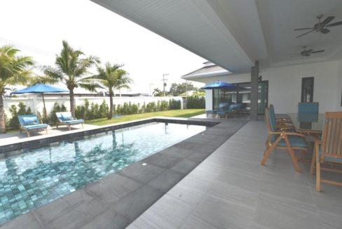02 5x12 meter large swimming pool