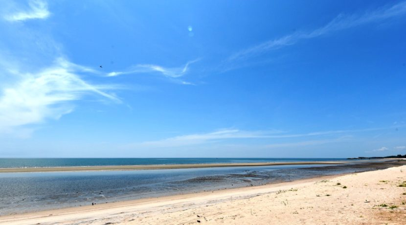 02 Beach view