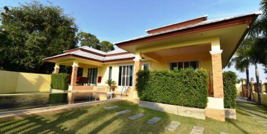 Strong-built Pool Villa in Cha-am City near Beach