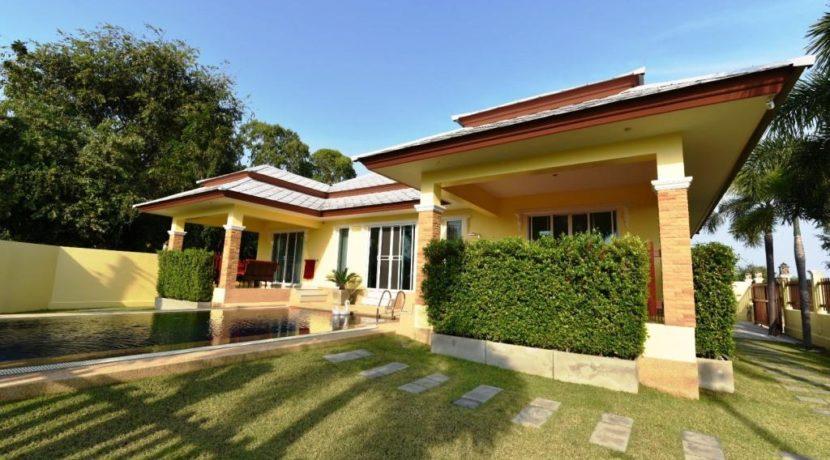 04B Villa facade view