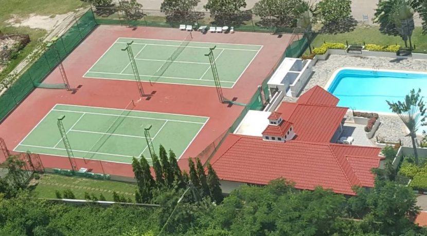 05 Tennis courts