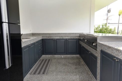 27 Fully fitted Thai BBQ kitchen