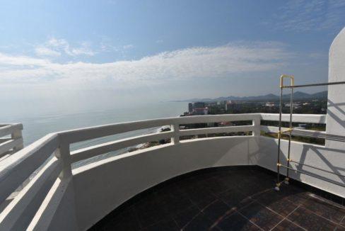 45 Bedroom balcony
