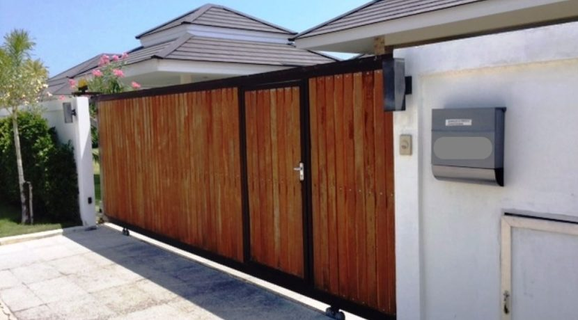 02 House fully walled and gated for privacy
