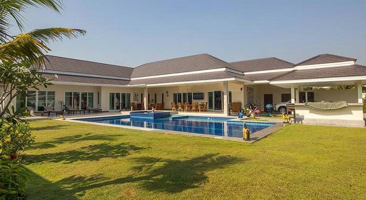 Magnificent Pool Villa in Hua Hin near Palm Hills Golf Resort