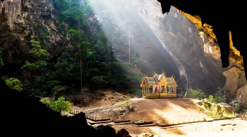 04 Sam Roi Yot Cave