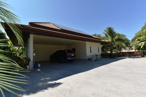 06 Double covered carpark and maid quarters