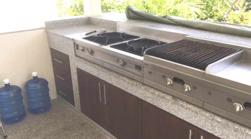 08 Fully equipped Thai-BBQ cooking grill