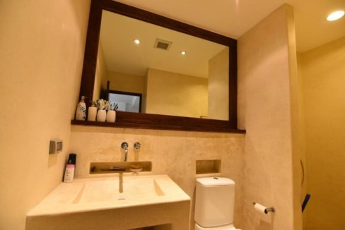 45 Ensuite bathroom 2 3