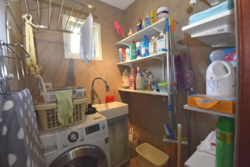 60 Laundry utility room