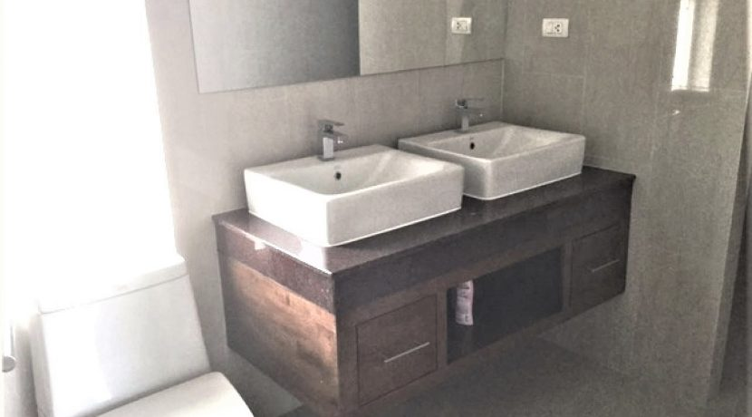 75 Ensuite bathrooms in Bedrooms #4