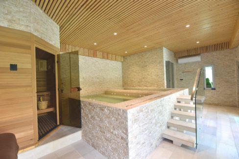 80 Spa and sauna room