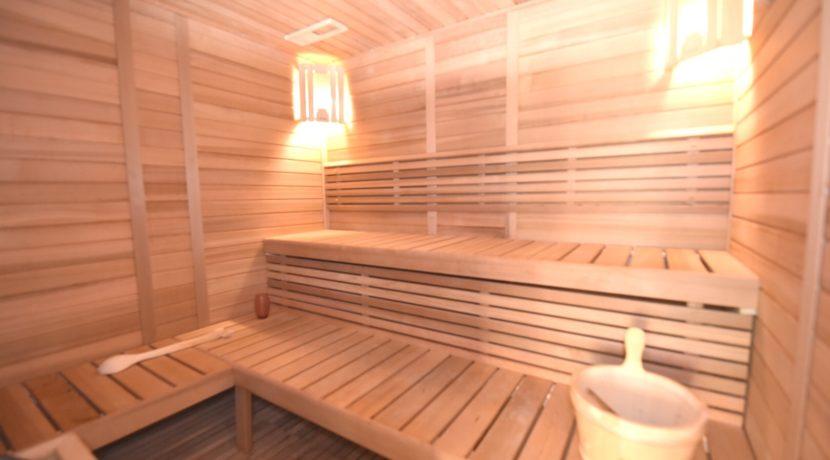 82 Sauna room
