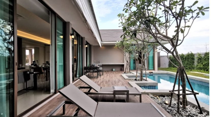 03 Villa with great outdoor living area