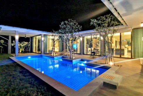81 Villa at twilight time