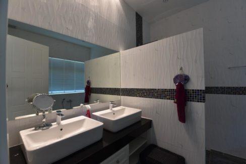 35 Ensuite master bathroom 1