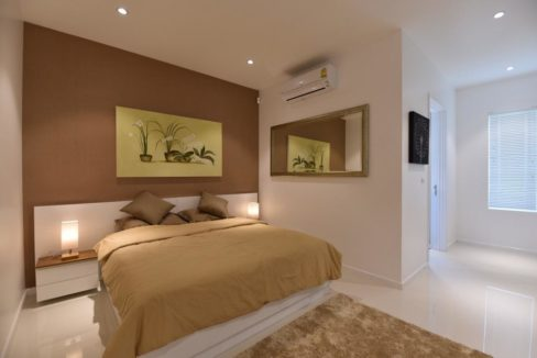 50 Large bedroom 3
